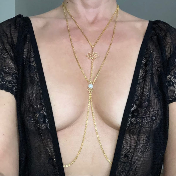 necklace to nipple with pearl
